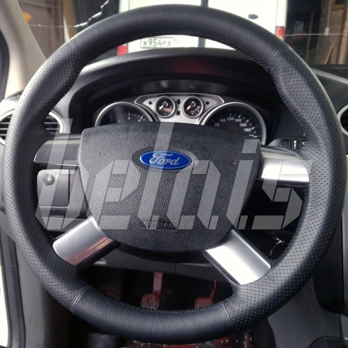 Оплетка на руль из натуральной кожи Ford Tourneo Connect (PU2) 2010-2013 г.в. (черная)
